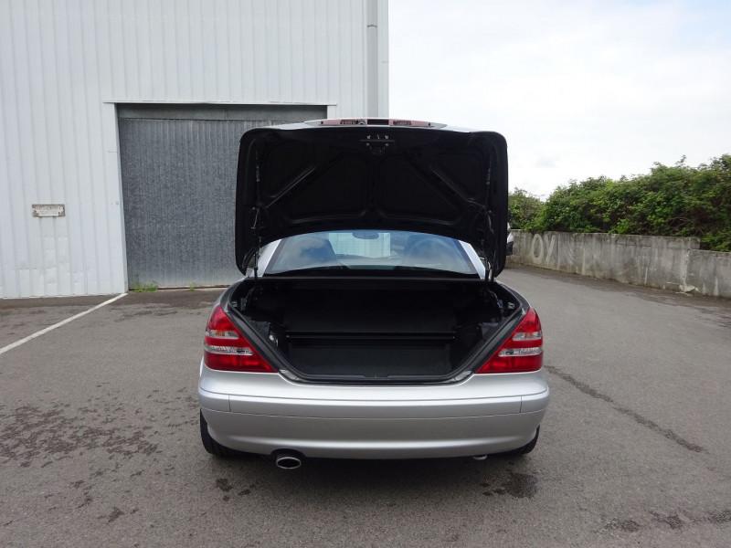 Photo 9 de l'offre de MERCEDES-BENZ CLASSE SLK (R170) 320 BA à 7900€ chez Automobiles Raoul Moço