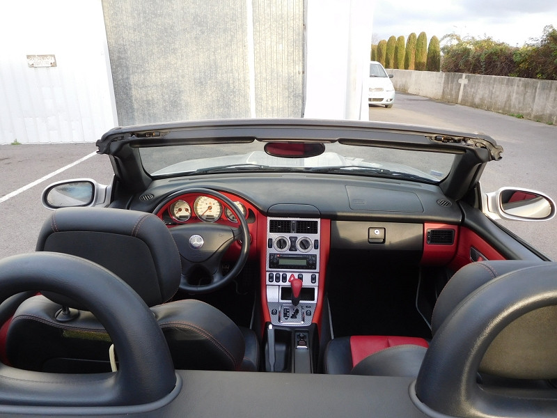 Photo 6 de l'offre de MERCEDES-BENZ CLASSE SLK (R170) 320 BA à 8900€ chez Automobiles Raoul Moço