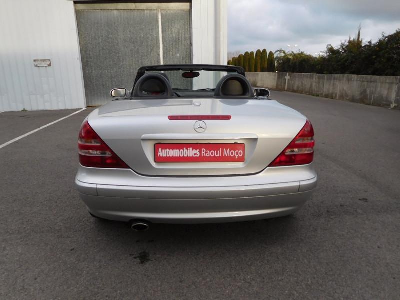 Photo 9 de l'offre de MERCEDES-BENZ CLASSE SLK (R170) 320 BA à 8900€ chez Automobiles Raoul Moço