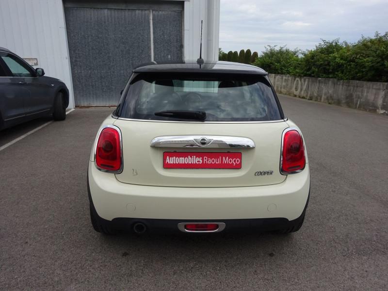 Photo 9 de l'offre de MINI MINI COOPER 136CH PACK CHILI à 11900€ chez Automobiles Raoul Moço