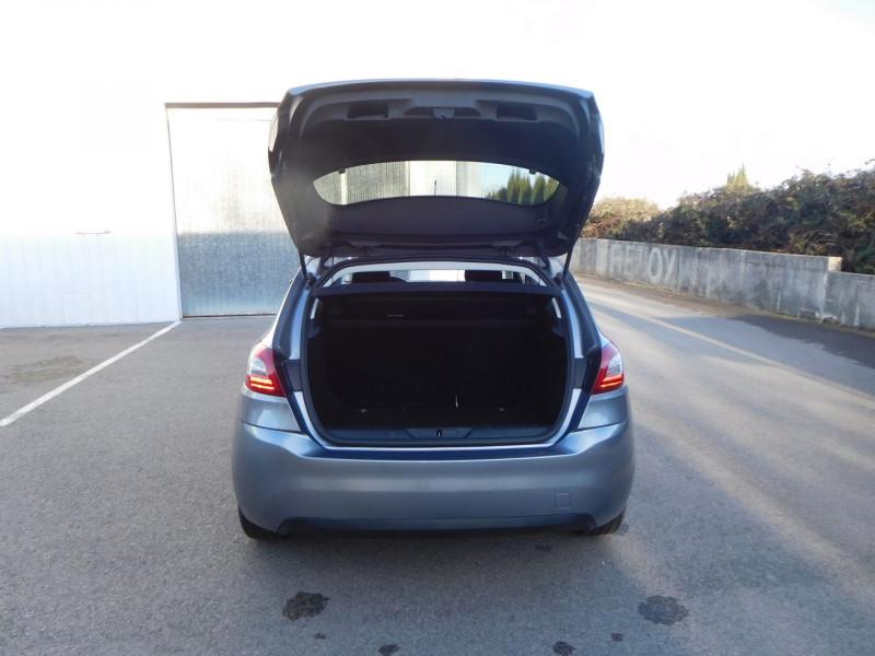 Photo 9 de l'offre de PEUGEOT 308 1.6 BLUEHDI 120CH STYLE S&S EAT6 5P à 14900€ chez Automobiles Raoul Moço