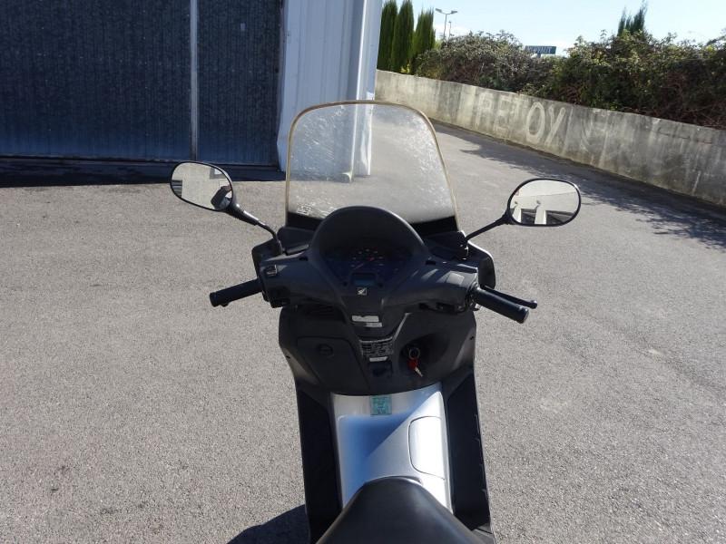 Photo 4 de l'offre de HONDA PANTHEON FES1254 FORCE SILVER METALLIC à 990€ chez Automobiles Raoul Moço