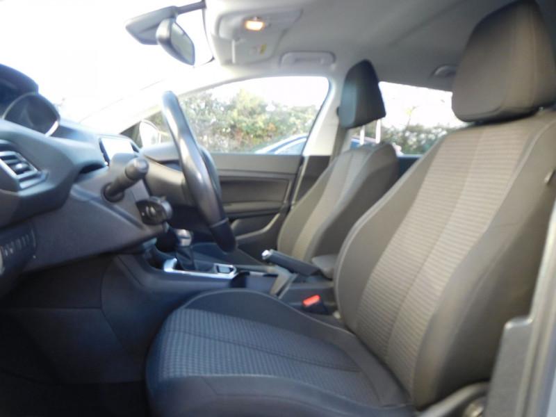 Photo 5 de l'offre de PEUGEOT 308 1.6 BLUEHDI 120CH STYLE S&S EAT6 5P à 14900€ chez Automobiles Raoul Moço