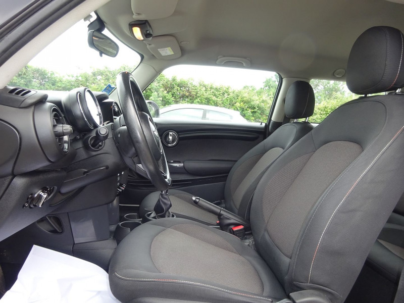 Photo 4 de l'offre de MINI MINI COOPER 136CH PACK CHILI à 11900€ chez Automobiles Raoul Moço