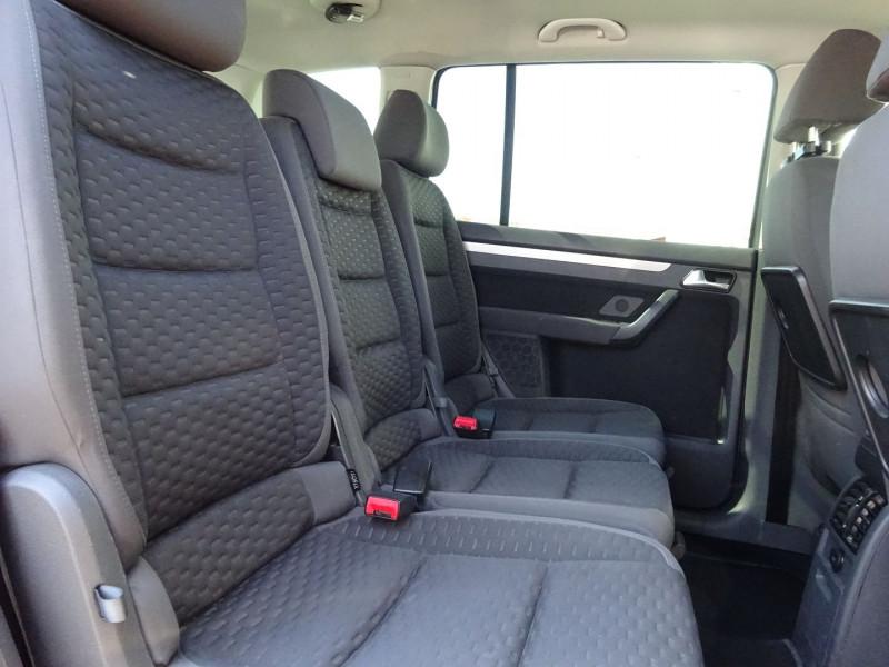 Photo 6 de l'offre de VOLKSWAGEN TOURAN 2.0 TDI 140CH CONFORTLINE à 4900€ chez Automobiles Raoul Moço
