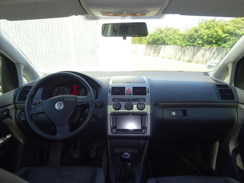 Photo 7 de l'offre de VOLKSWAGEN TOURAN 2.0 TDI 140CH CONFORTLINE à 4900€ chez Automobiles Raoul Moço