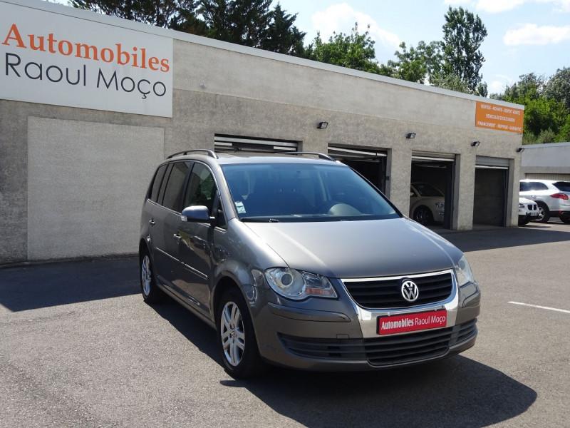 Photo 1 de l'offre de VOLKSWAGEN TOURAN 2.0 TDI 140CH CONFORTLINE à 4900€ chez Automobiles Raoul Moço