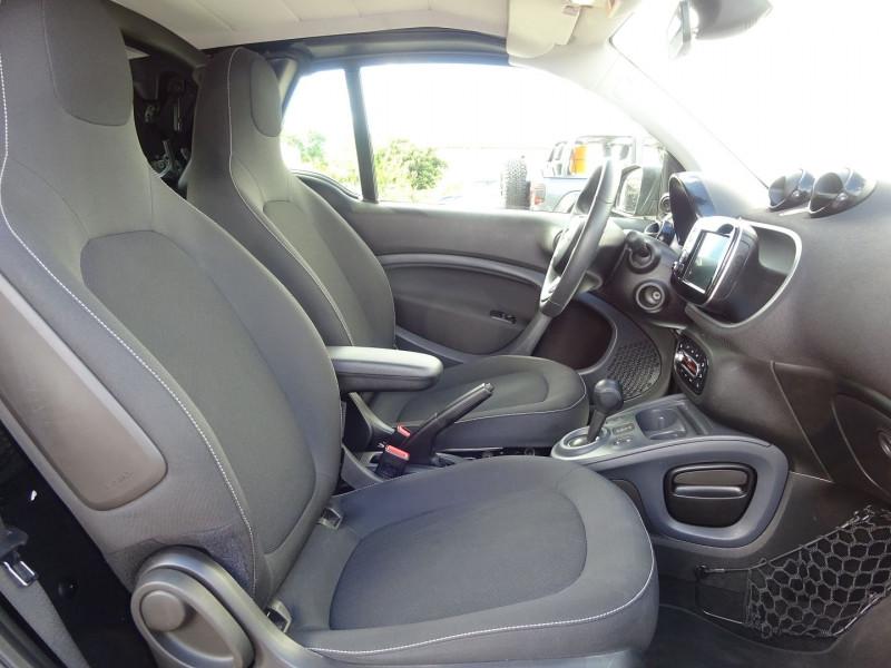 Photo 5 de l'offre de SMART FORTWO CABRIOLET 90CH PASSION TWINAMIC à 12900€ chez Automobiles Raoul Moço