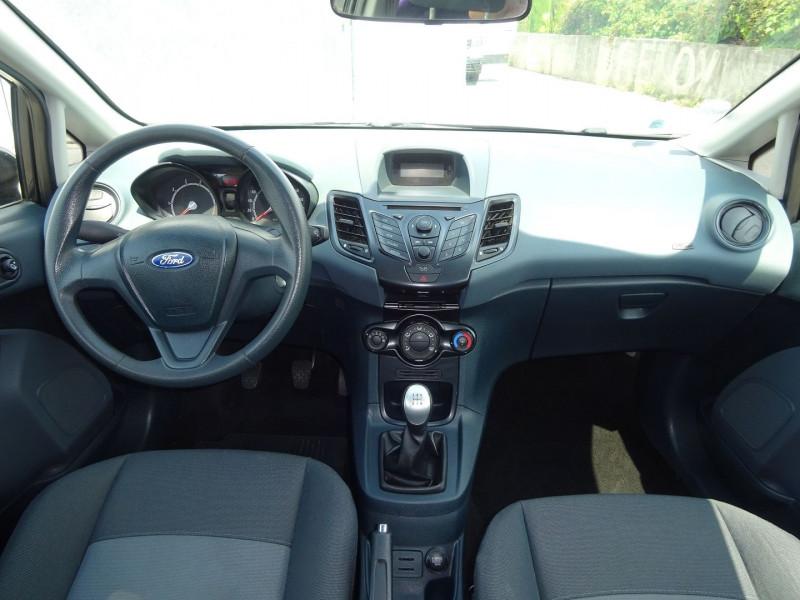 Photo 7 de l'offre de FORD FIESTA 1.25 60CH AMBIENTE 3P à 3900€ chez Automobiles Raoul Moço