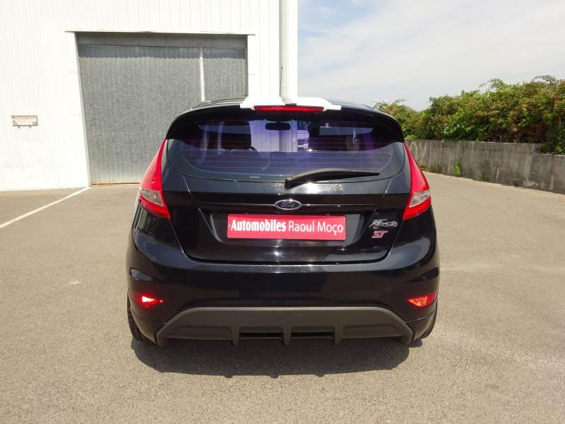 Photo 10 de l'offre de FORD FIESTA 1.25 60CH AMBIENTE 3P à 3900€ chez Automobiles Raoul Moço