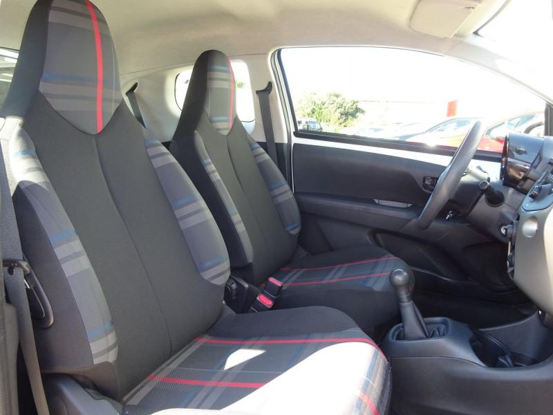 Photo 5 de l'offre de PEUGEOT 108 1.0 VTI ACTIVE 3P à 7900€ chez Automobiles Raoul Moço