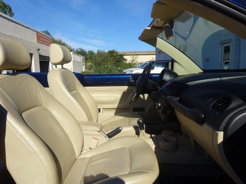 Photo 6 de l'offre de VOLKSWAGEN BEETLE CAB 2.0 115CH CARAT à 6900€ chez Automobiles Raoul Moço