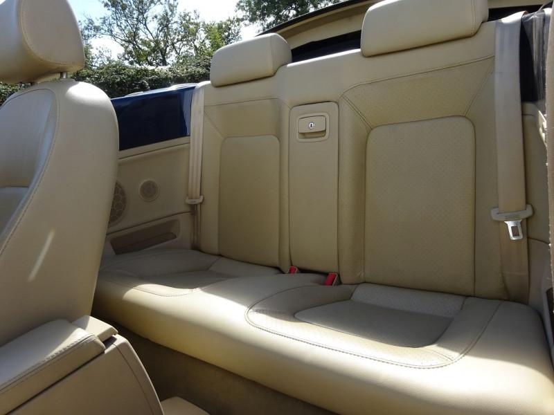 Photo 7 de l'offre de VOLKSWAGEN BEETLE CAB 2.0 115CH CARAT à 6900€ chez Automobiles Raoul Moço