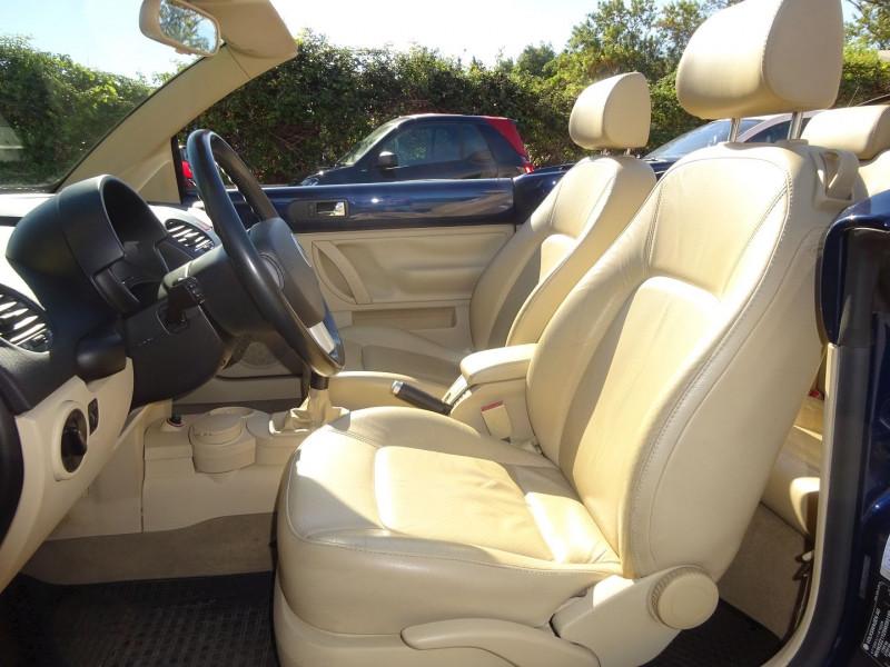 Photo 5 de l'offre de VOLKSWAGEN BEETLE CAB 2.0 115CH CARAT à 6900€ chez Automobiles Raoul Moço