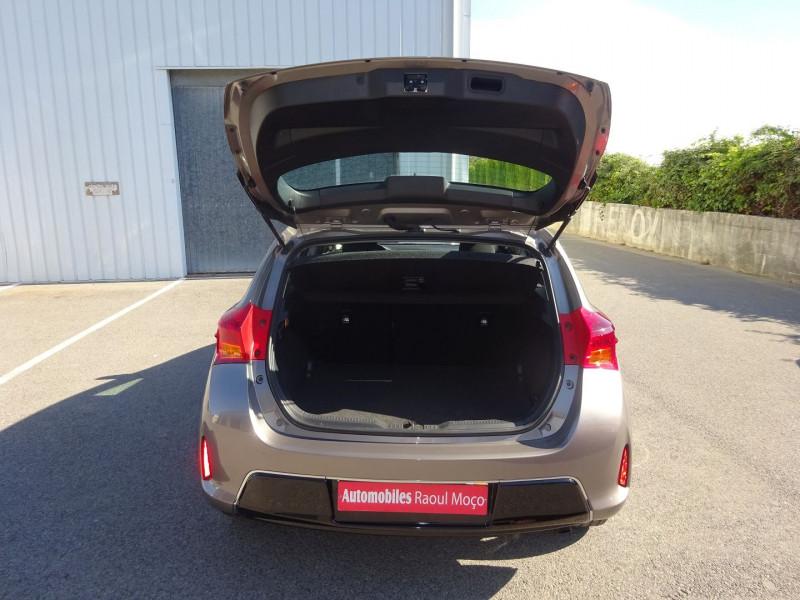 Photo 9 de l'offre de TOYOTA AURIS 100 VVT-I DYNAMIC à 9900€ chez Automobiles Raoul Moço