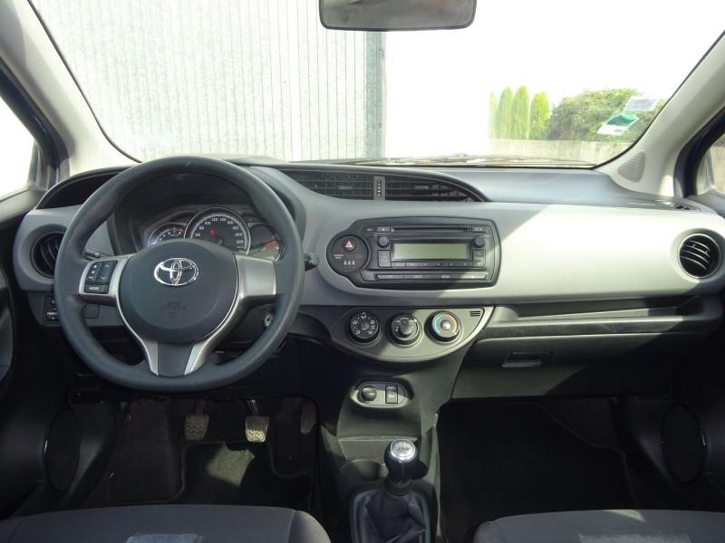 Photo 6 de l'offre de TOYOTA YARIS 69 VVT-I TENDANCE 5P à 8900€ chez Automobiles Raoul Moço
