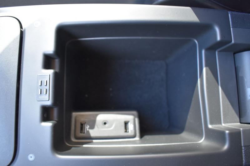 Photo 15 de l'offre de RENAULT SCENIC IV 1.5 DCI 110CH ENERGY BUSINESS à 15290€ chez Garage Charrier