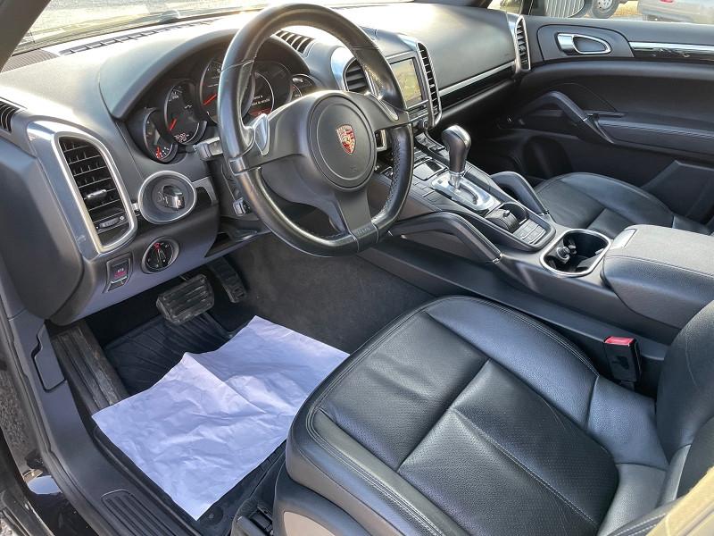 Photo 7 de l'offre de PORSCHE CAYENNE (958) V6 TIPTRONIC BOITE AUTOMATIQUE à 25690€ chez Univers auto