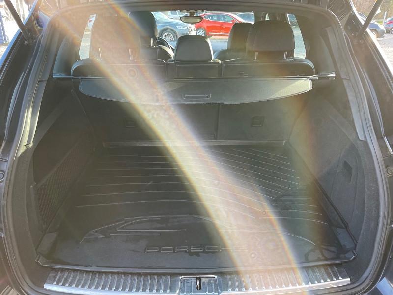 Photo 9 de l'offre de PORSCHE CAYENNE (958) V6 TIPTRONIC BOITE AUTOMATIQUE à 25690€ chez Univers auto