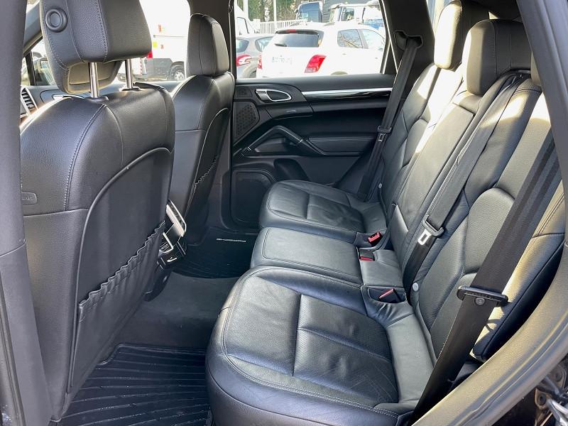 Photo 8 de l'offre de PORSCHE CAYENNE (958) V6 TIPTRONIC BOITE AUTOMATIQUE à 25690€ chez Univers auto