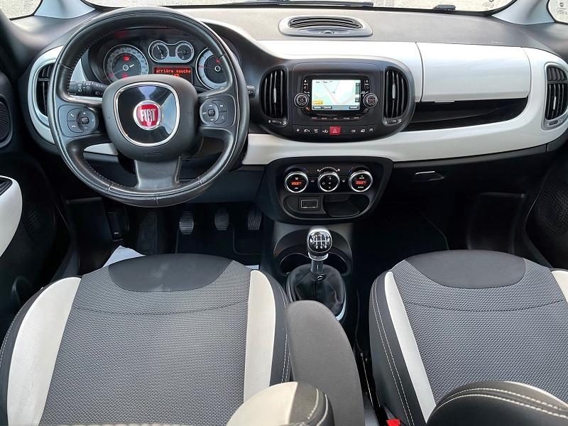 Photo 2 de l'offre de FIAT 500L 1.6 MULTIJET 16V 120CH S&S TREKKING à 13290€ chez Univers auto