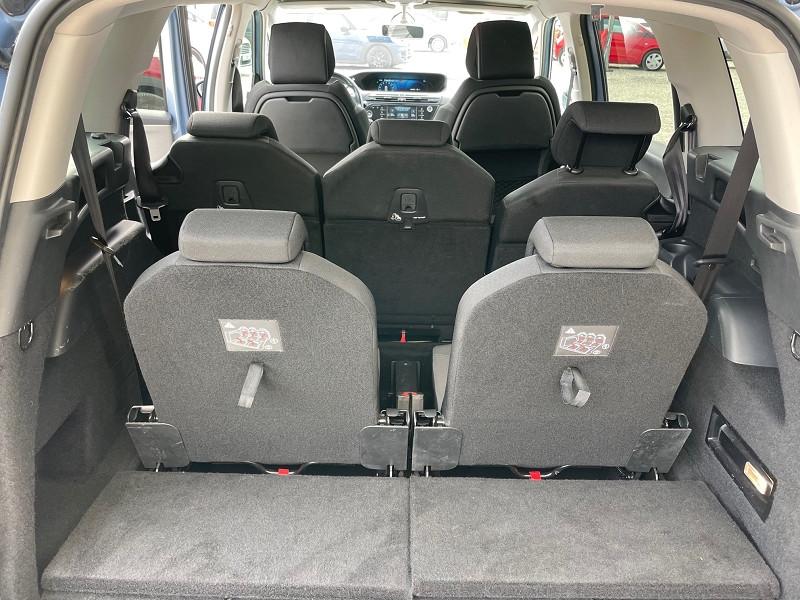 Photo 2 de l'offre de CITROEN GRAND C4 PICASSO 7 PLACES E-HDI 115CH BUSINESS + ETG6 à 12390€ chez Univers auto