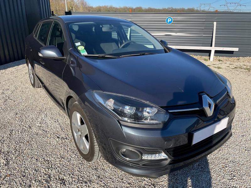 Renault MEGANE III ESTATE 1.5 DCI 110CH ENERGY LIFE ECO² EURO6 2015 Diesel GRIS FONCE Occasion à vendre