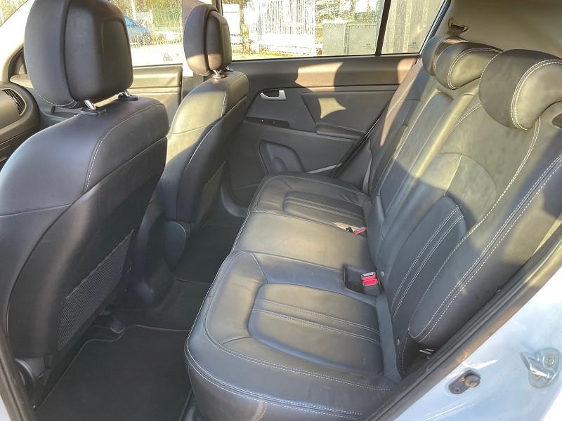 Photo 8 de l'offre de KIA SPORTAGE 1.7 CRDI 115 PREMIUM ISG à 11990€ chez Univers auto