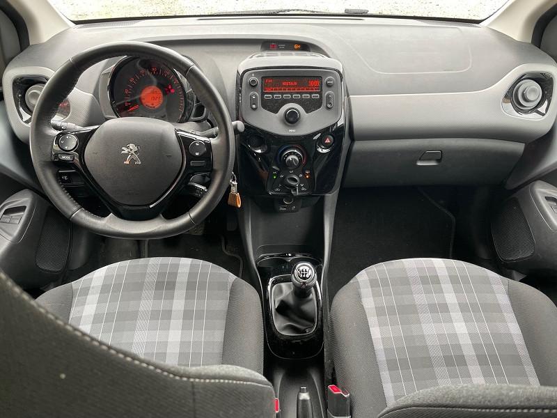 Photo 2 de l'offre de PEUGEOT 108 VTI 72 STYLE 5P à 9690€ chez Univers auto