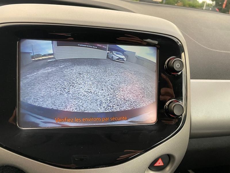 Photo 10 de l'offre de TOYOTA AYGO 1.0 VVT-I 69CH X-PLAY X-SHIFT 3P à 7790€ chez Univers auto