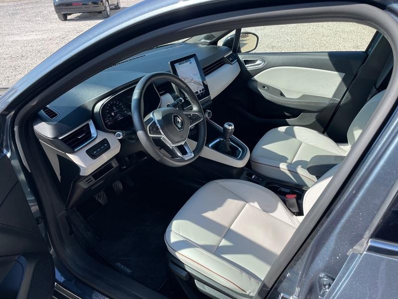 Photo 7 de l'offre de RENAULT CLIO V 1.5 BLUE DCI 115CH INITIALE PARIS 6CV à 20390€ chez Univers auto