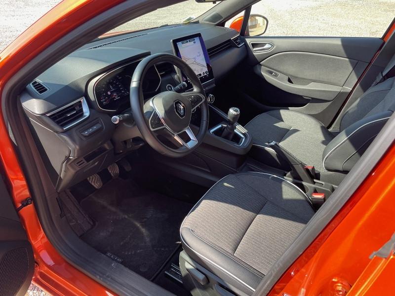 Photo 7 de l'offre de RENAULT CLIO V 1.0 TCE 100CH INTENS à 17490€ chez Univers auto