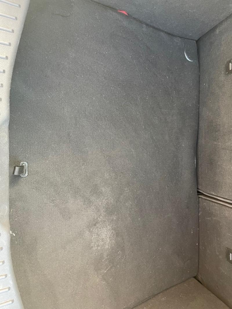 Photo 8 de l'offre de FORD FOCUS 1.5 TDCI 105CH ECONETIC STOP&START BUSINESS NAV à 7990€ chez Univers auto