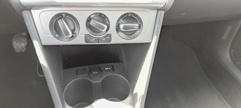 Photo 4 de l'offre de VOLKSWAGEN POLO 1.6 TDI 90CH BLUEMOTION TECHNOLOGY FAP LIFE 5P à 7490€ chez Loz'auto