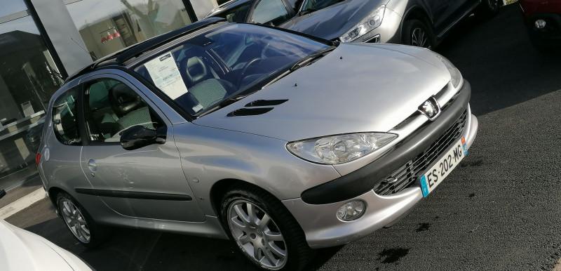 Photo 2 de l'offre de PEUGEOT 206 2.0 16V S16 3P à 5990€ chez Loz'auto