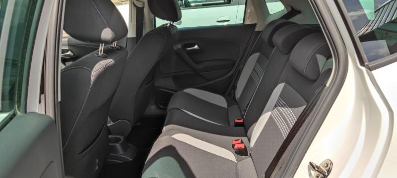 Photo 6 de l'offre de VOLKSWAGEN POLO 1.6 TDI 90CH BLUEMOTION TECHNOLOGY FAP LIFE 5P à 7490€ chez Loz'auto