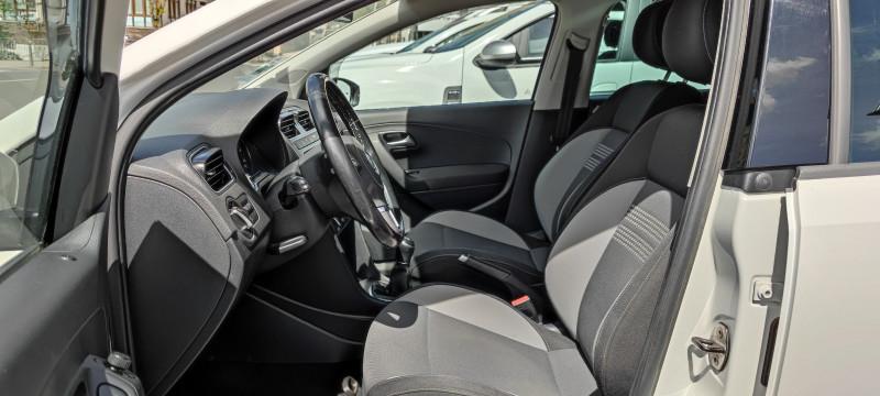 Photo 5 de l'offre de VOLKSWAGEN POLO 1.6 TDI 90CH BLUEMOTION TECHNOLOGY FAP LIFE 5P à 7490€ chez Loz'auto