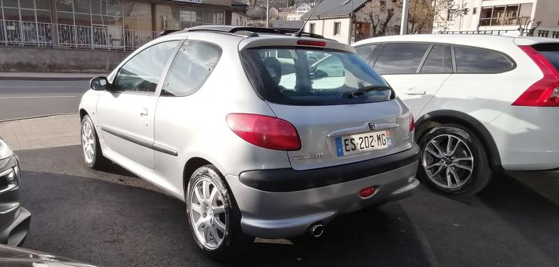 Photo 3 de l'offre de PEUGEOT 206 2.0 16V S16 3P à 5990€ chez Loz'auto