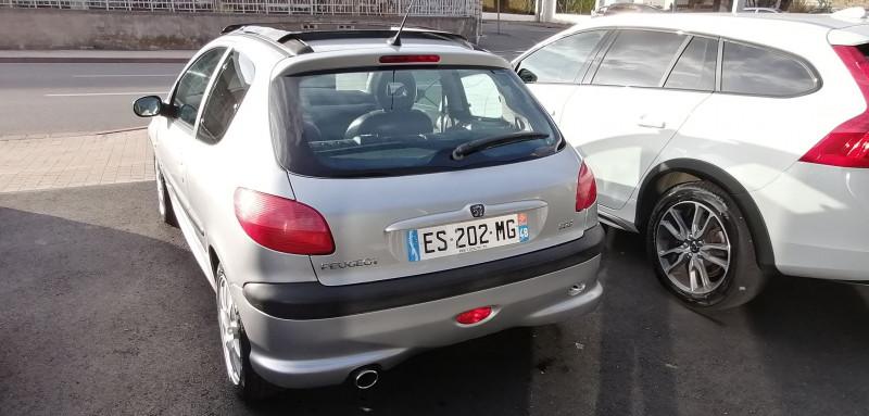 Photo 4 de l'offre de PEUGEOT 206 2.0 16V S16 3P à 5990€ chez Loz'auto