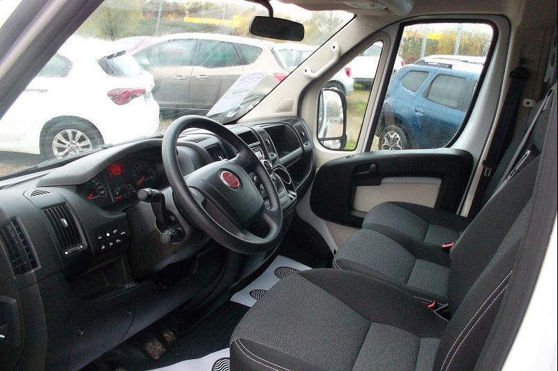 Photo 3 de l'offre de FIAT DUCATO COMBI 3.0 CH1 2.3 MULTIJET 150CH ECOJET EURO6 à 23900€ chez François-Pierre automobiles