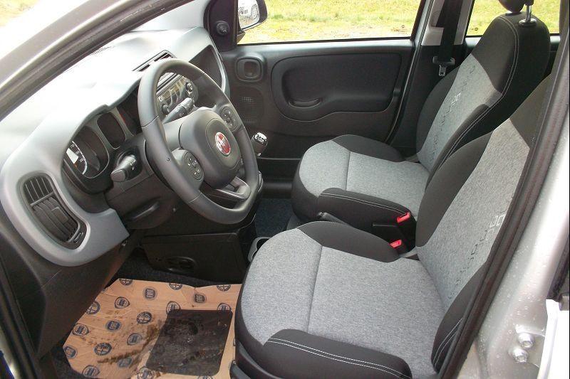 Photo 4 de l'offre de FIAT PANDA 1.2 8V 69CH S&S LOUNGE  EURO6D à 10490€ chez François-Pierre automobiles