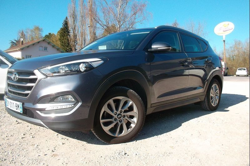 Photo 1 de l'offre de HYUNDAI TUCSON 1.7 CRDI 115CH BUSINESS 2WD à 14500€ chez François-Pierre automobiles