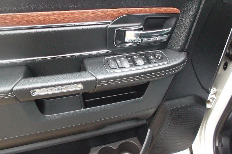 Photo 8 de l'offre de DODGE RAM 1500 LARAMIE 5.7 à 55800€ chez François-Pierre automobiles