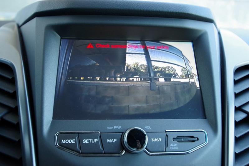 Photo 10 de l'offre de SSANGYONG KORANDO 220 E-XDI 178CH PACK SPORT 2WD à 19900€ chez ACCEL' AUTO