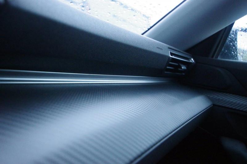 Photo 17 de l'offre de PEUGEOT 508 SW 2.0 BLUEHDI 160 S&S ALLURE EAT8 à 32400€ chez ACCEL' AUTO