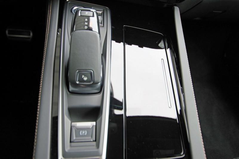 Photo 16 de l'offre de PEUGEOT 508 SW BLUEHDI 160CH S&S GT LINE EAT8 à 33800€ chez ACCEL' AUTO