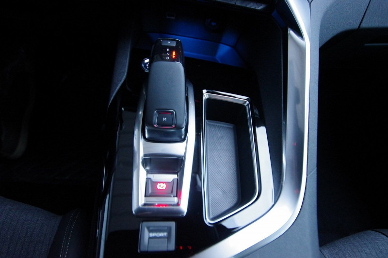 Photo 20 de l'offre de PEUGEOT 3008 1.5 BLUEHDI 130 S&S GT LINE EAT8 à 32700€ chez ACCEL' AUTO