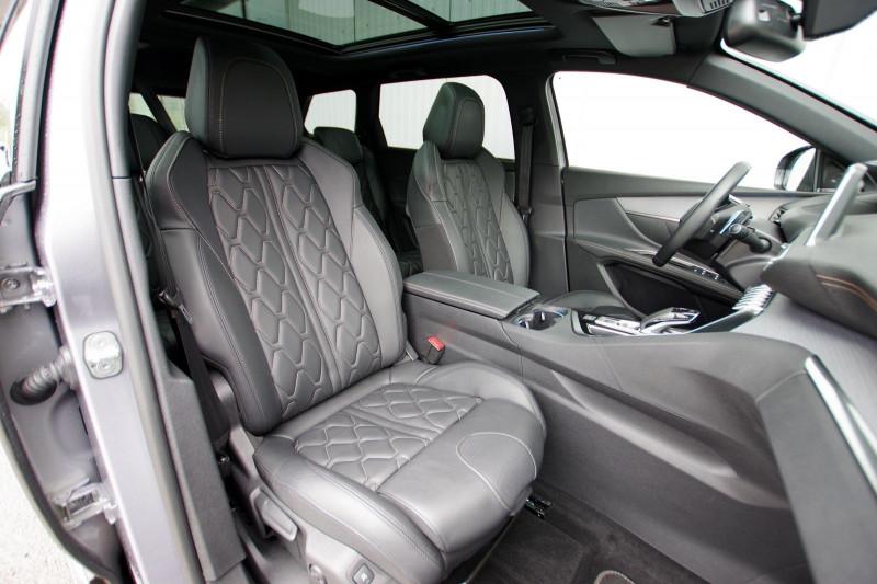 Photo 4 de l'offre de PEUGEOT 5008 2.0 BLUEHDI 180 S&S GT EAT8 à 34950€ chez ACCEL' AUTO