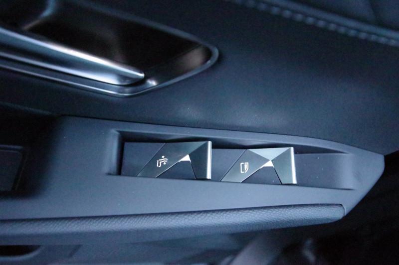 Photo 21 de l'offre de DS DS 7 CROSSBACK 1.6 PURETECH 225 CH SO CHIC AUTOMATIQUE à 41900€ chez ACCEL' AUTO