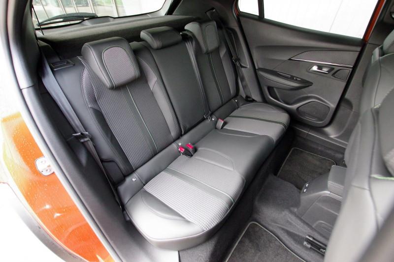Photo 5 de l'offre de PEUGEOT 2008 E-2008 136CH GT LINE à 28400€ chez ACCEL' AUTO